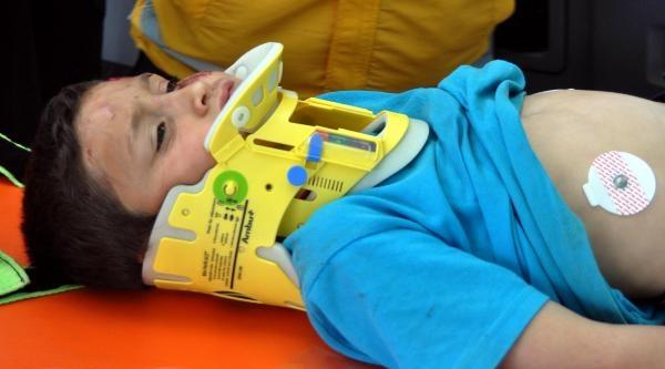 Kamyondan Düşen Çocuk Yaralandı