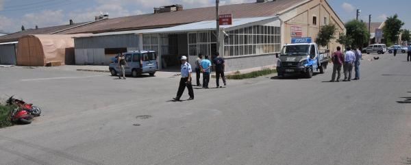 Kamyonetin Çarptiği Motosiklette 2 Çocuk Yaralandı
