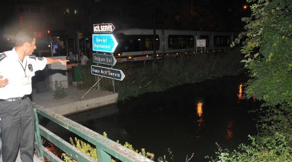 Kanala Atlayan Genç Kızı Şoför Kurtardı