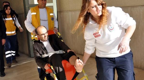 'kanli Soygun' Davasinda Ölenin Yakinlari, Sanik Avukatinin Ayağini Kirdi