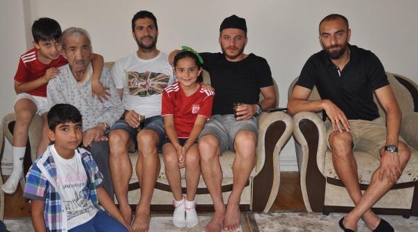 Kanser Hastası Sivasspor Taraftarına Moral Ziyareti