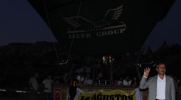 Kapadokya'da Balonlar Rabia Pankartlarıyla Uçtu
