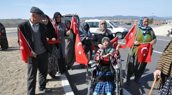 Kapatılan Beldede Vatandaşlar Yol Kapattı