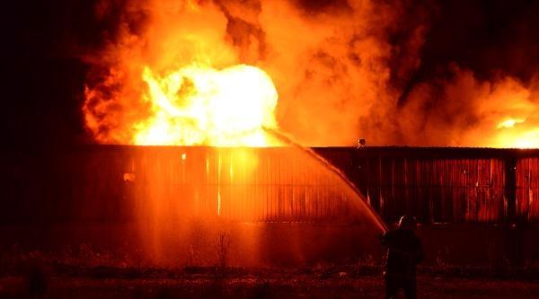 Kapsül Üretimi Yapan Fabrika Çikan Yangında Kullanılamaz Hale Geldi