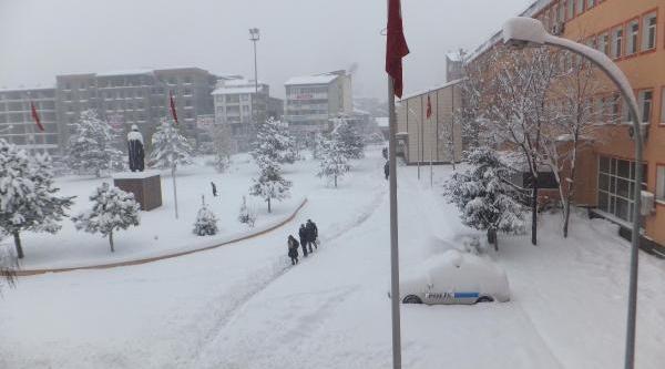 Kar, Doğu Anadolu'da 1093 Köy Yolunu Kapatti