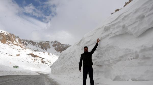 Kar Yağmayınca Bahçesaray Yolu Da Kapanmadı