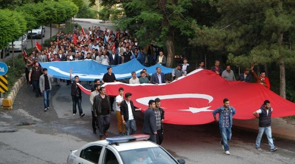 Karabük'te Bayrak Protestosu