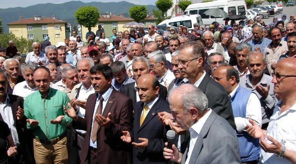 Karabük'te 'hastane Kapatılmasın' Eylemi