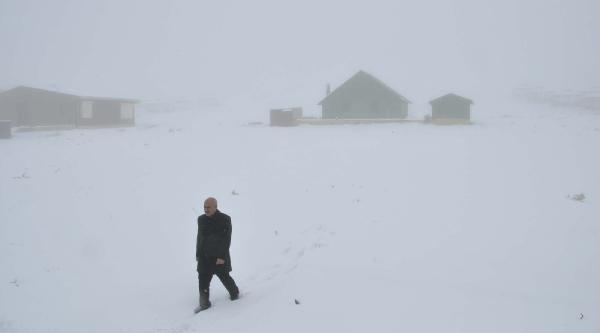Karacadağ Kayak Merkezi'nde Kar Yağişi