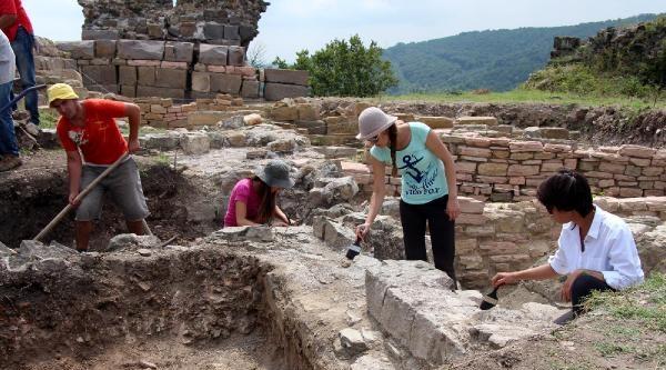 Karadeniz'in Efes'i, Fırça İle Gün Yüzüne Çikariliyor