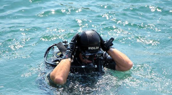 Karako Cinayeti;denizde Yapılan Aramada 4 Bıçak 2 Tornavida Bulundu