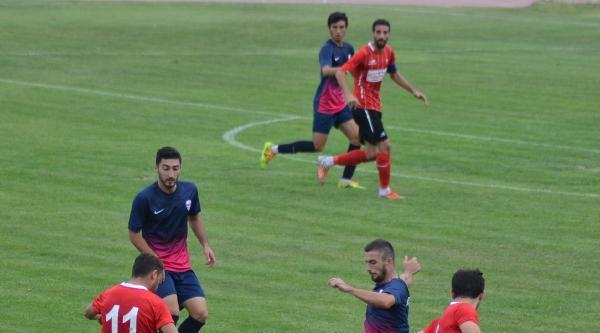 Karaman Belediyespor-uşaksportif Gençlikspor Maçı (fotoğraflar)