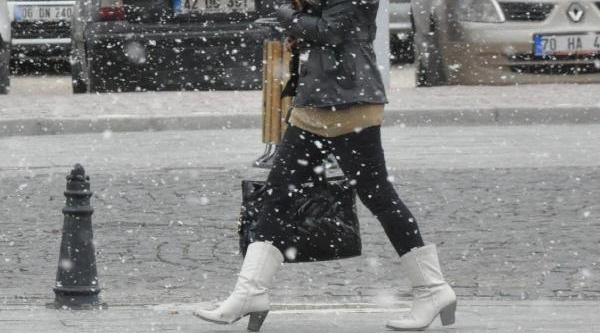 Karaman'a Kar Yağdi