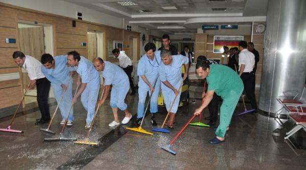 Karaman'da Hastaneyi Su Bastı