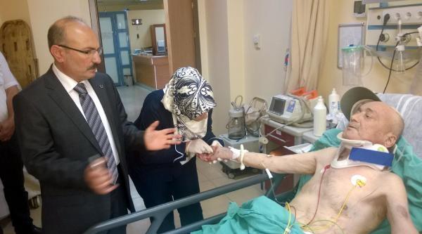 Karamanlı'da 2 Otomobil Çarpişti: 5 Ölü, 3 Yaralı (2)
