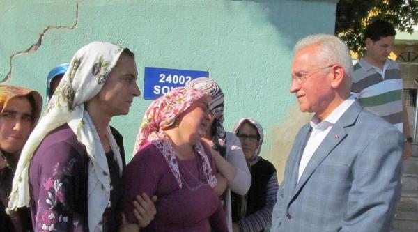 Karamanlı'da 2 Otomobil Çarpişti: 5 Ölü, 3 Yaralı (3)