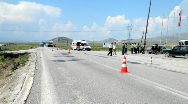 Karamanlı'da Trafik Kazası: 1 Ölü