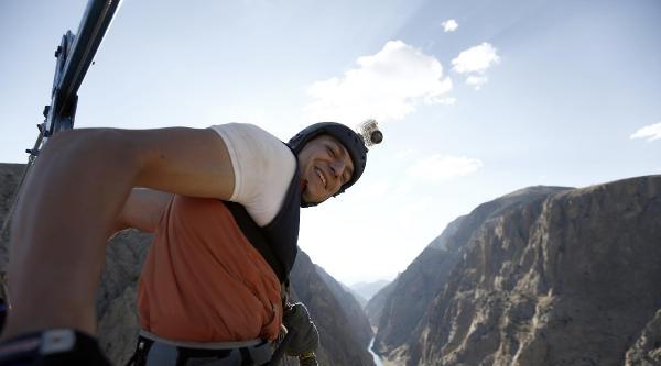 Karanlık Kanyon'da Halatlı Atlama Yapan İlk Türk