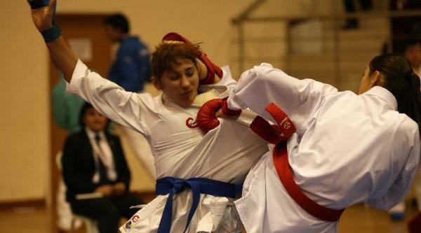 Karate Şampiyonasi Sona Erdi