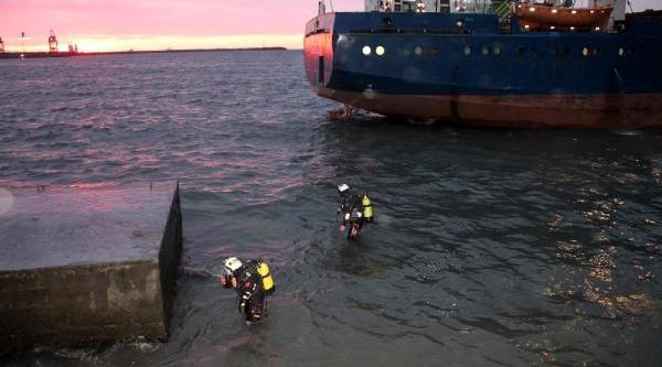 Karaya Oturan Gemi Kurtarilamadi (2)
