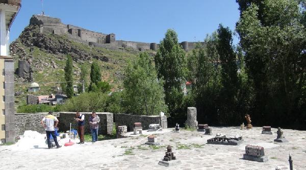Kars Kalesi Eteklerinde 'minia Kars'ı Hazırlıyor