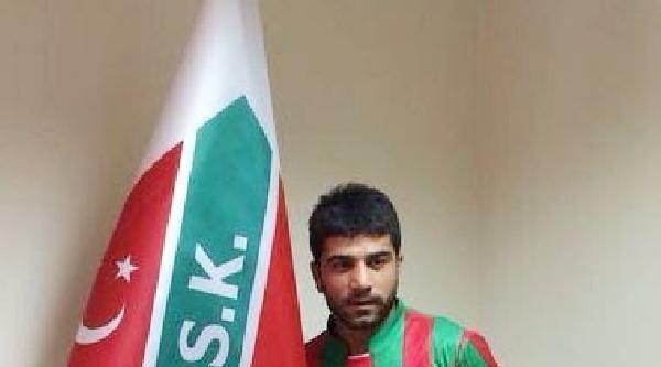Karşıyaka Mustafa'yla İmzaladi