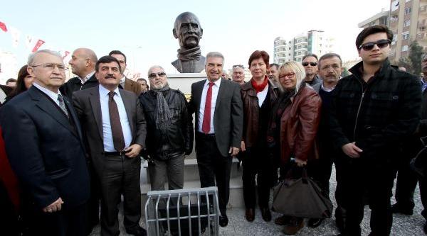 Karşiyaka'da Tuncel Kurtiz Parki Açildi