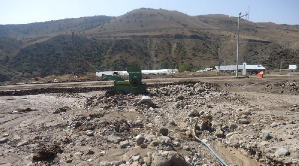 Kars'ta Selde Mahsur Kalan 9 Kişi Kurtarıldı