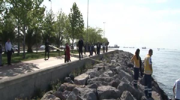 Kartal'da Denizden Bir Kadına Ait Ceset Çikti
