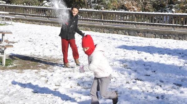 Kartepe'de Kar Kalinliği 50 Santimi Buldu