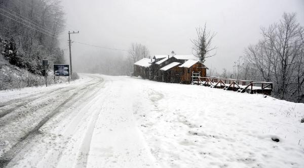 Kartepe'de Yoğun Kar Yağişi