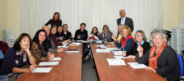 Kaş'a Yerleşen Yabancılar Türkçe Öğreniyor