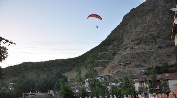 Kato Dağı'nda Yamaç Paraşütü İle Uçtular