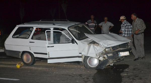 Kavşakta Kaza: 3'ü Çocuk 9 Yaralı