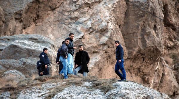 Kayalıklarda İntihar Girişimi