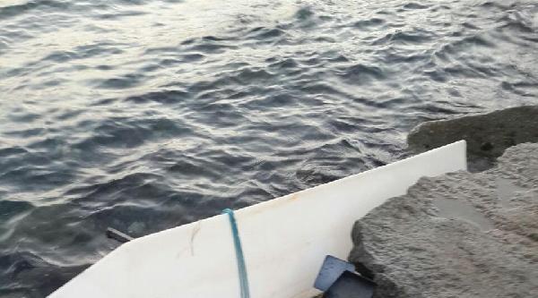 Kaybolan Gençlerin Kullandığı Sanılan Deniz Bisikletinin Parçaları Erdek Sahilinde Bulundu