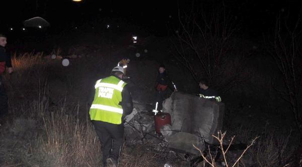 Kaygan Yolda Otomobil Takla Attı: 1 Ölü