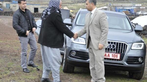 Kaymakam Ve Belediye Başkani'ndan Gaziye Düğün Sözü
