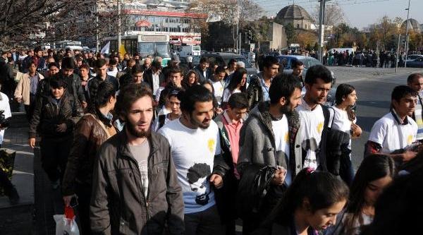 Kayseri'de Ali Ismail Korkmaz Için Yürüyüş Yapildi