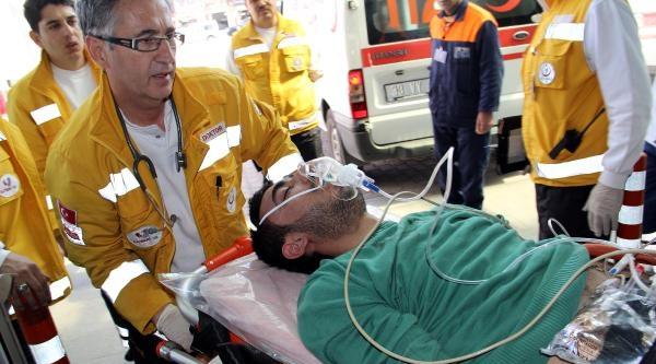 Kayseri'de Bıçaklı Ve Odunlu Kavga: 3 Yaralı