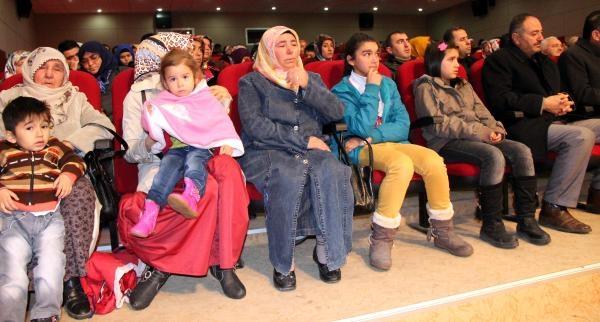 Kayseri'de, Boşandiği Eşi Tarafindan Öldürülen Kadin Için Anma Etkinliği