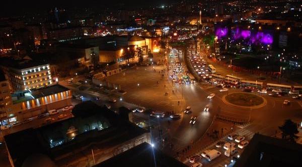 Kayseri'de Görkemli Açiliş