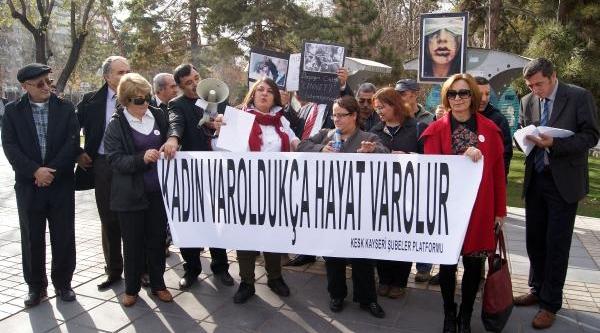 Kayseri'de Kadinlardan Iktidara Tepki: Cinsel Hayatimizi Düzenlemeyi Birakin