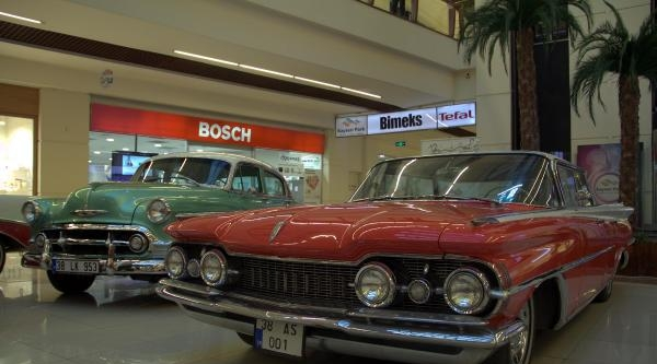 Kayseri'de Klasik Otomobil Sergisi