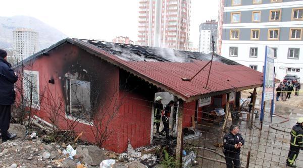 Kayseri'de Müteahhitin Liseli Oğlu, Şantiye Binasında Yanarak Öldü