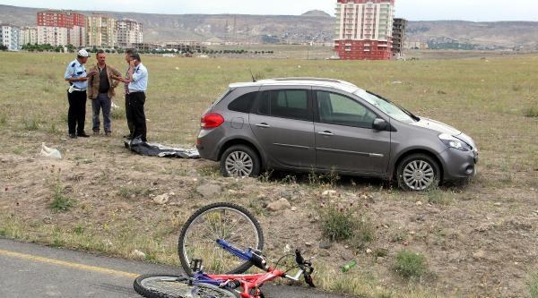 Kayseri'de Otomobilin Çarptiği Bisikletli Çocuk Öldü