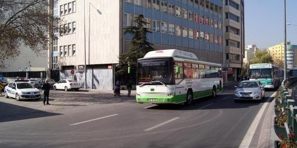 Kayseri'de Trafikte Cep Telefonu Ile Konuşan Sürücülere Ceza Yağdi
