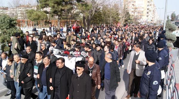 Kayseri'de Yolsuzluğa Tepki Eyleminde, 'hırsızlara Oy Vermeyin' Çağrisi