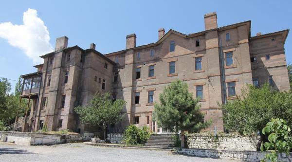 Kayseri'deki 143 Yıllık Amerikan Koleji Binası Gençlik Merkezi Oluyor
