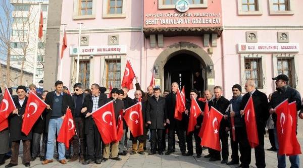 Kayseri'ye Hdp Il Örgütü Açilmasina, Şehit Aileleri Ve Gazilerden Protesto